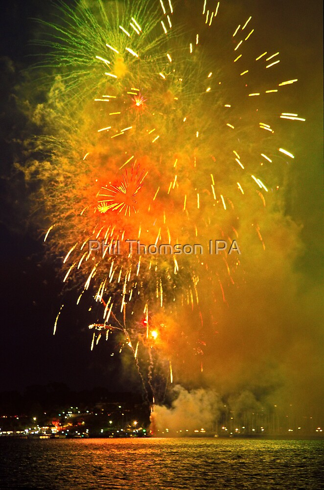 Geelong New Year's Fireworks 2012 by Phil Thomson IPA