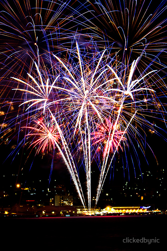 New Years Eve 2013 - Hobart Fireworks (2) by clickedbynic