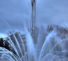 Fountain and the Needle by zumi