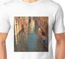 Venetian Evening Shimmer-Venice, Italy Unisex T-Shirt