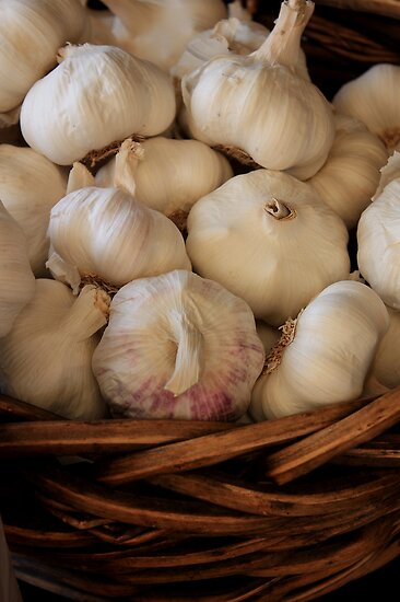 Garlic in a basket, Sutton Forest, NSW by Ian Ramsay
