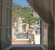 Vernazza, Italy by fionatherese