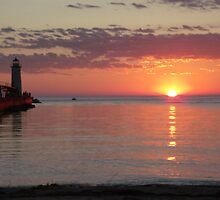 Sunset With lighthouse 3 by agrusag