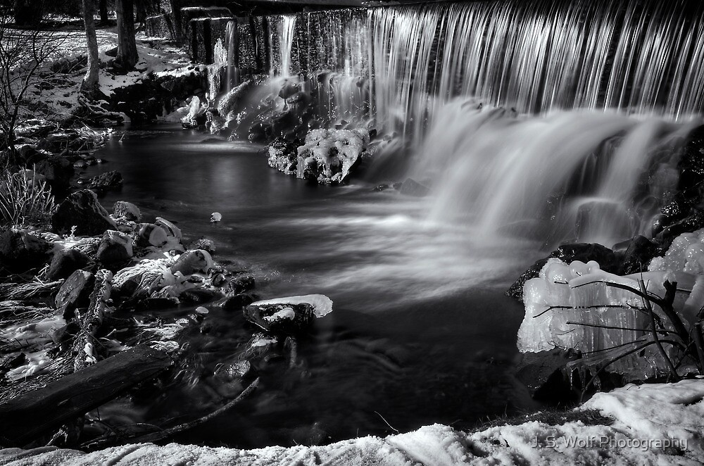 Black and White Falls by jswolfphoto