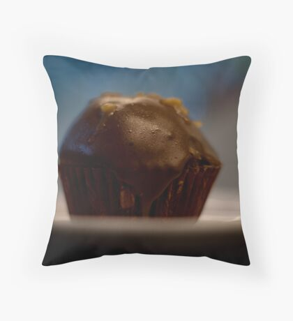 Love Me a Cupcake Throw Pillow