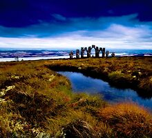 Highland Monument by TinDog
