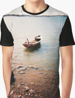 tämä on vene- this is a boat Graphic T-Shirt