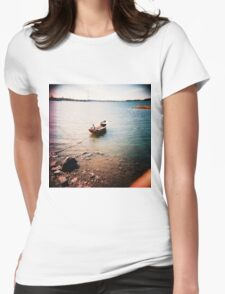 tämä on vene- this is a boat Womens Fitted T-Shirt