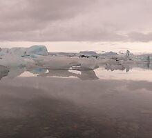 Iceland: Icebergs on Jökulsárlón by Curlyf