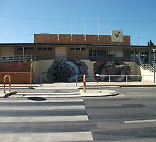 Broken Hill train stn artist Geoff de Main by Heather Dart