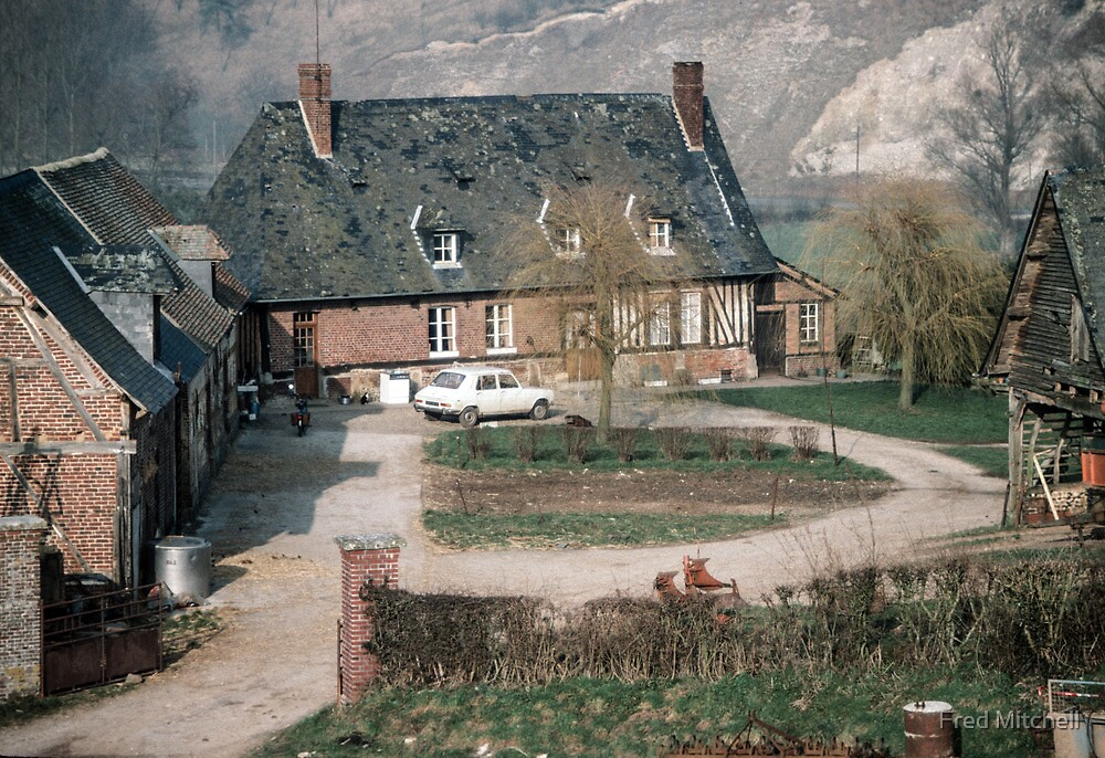 Farmhouse compound Les Hazons 198402150014 by Fred Mitchell
