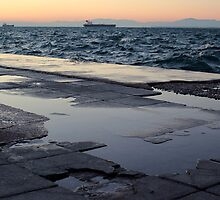 A cold, windy afternoon in the coast of Thessaloniki by mkokonoglou