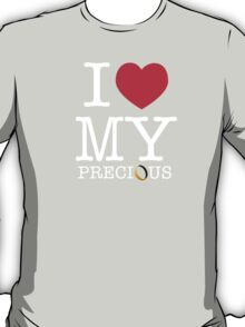I Heart My Precious (The Hobbit / Lord of the Rings mashup) T-Shirt