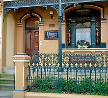Beautifully maintained Old Residence,  Potts Point, Sydney. by johnrf