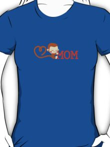 Cute Monkey loves Mom T-Shirt