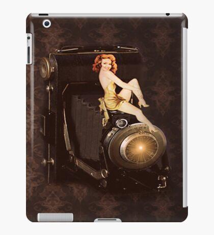 RETRO CAMERA IPAD CASE iPad Case/Skin
