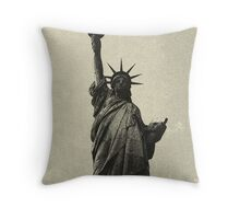 landscape  statue of liberty sketch Throw Pillow