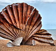 The Scallop 2 by Chris Thaxter
