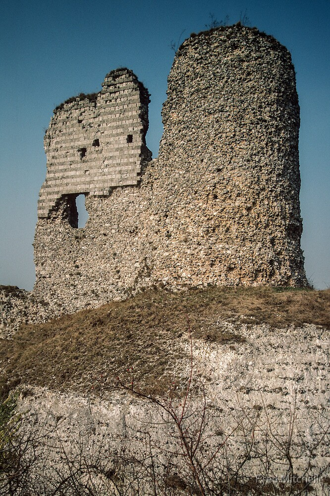 End tower Castle Gaillard Les Andelays 198402160023  by Fred Mitchell