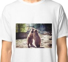 Bear fight Classic T-Shirt