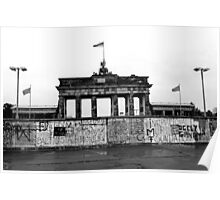 BRANDENBURG GATE - Memories of a divided city. Poster