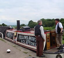 Nattering on the towpath with Narrowboat President by elsiebarge
