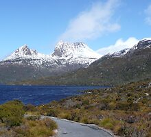Cradle Mountain by Pixel-Bug