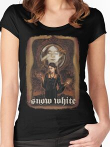 Renaissance Snow White Women's Fitted Scoop T-Shirt
