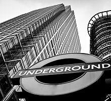 Canary Wharf London by DavidHornchurch