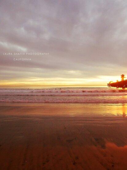 MEDIUM LAVENDER MAGENTA SEA #DDA0DD by Laura E  Shafer