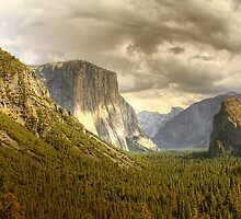 El Capitan in Yosemite by kurtolo