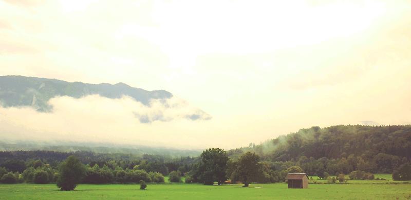 Hut at the country's edge. by jeune-jaune