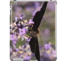 butterfly sucking nectar iPad Case/Skin