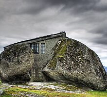 Rock house by vribeiro