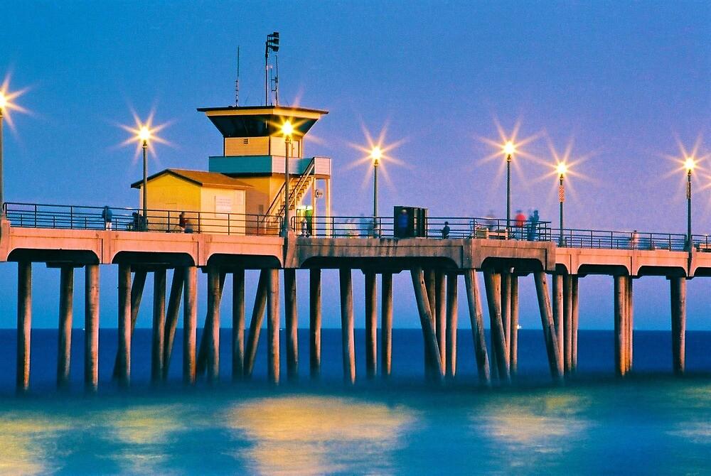 Huntington Pier  by AndyFeltonPix