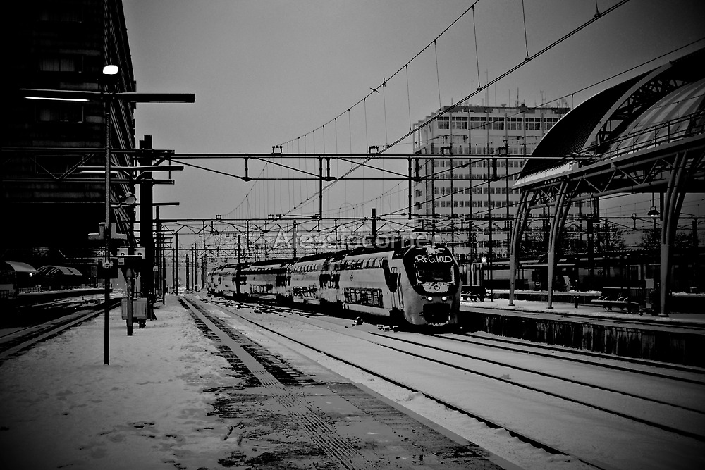 Arrival or Departure BW by Alessiocorner