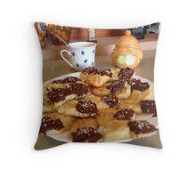 Viennese shortbread biscuit Throw Pillow