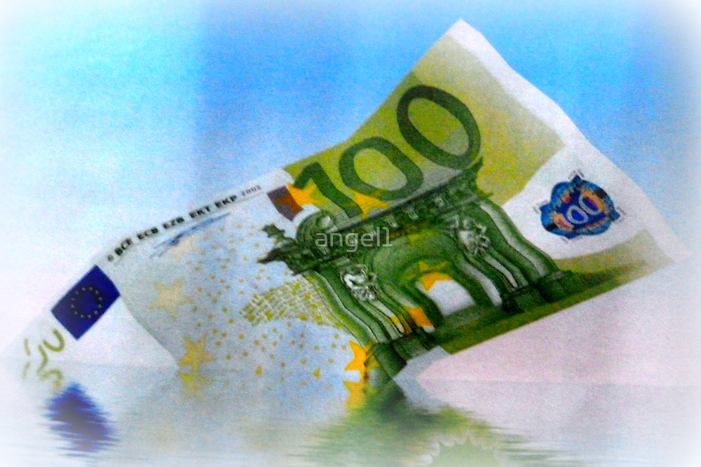 €100 money voucher by ©The Creative  Minds