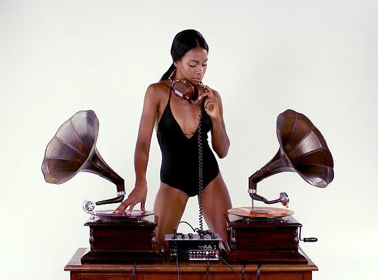 sexy gramophone dj by dubassy