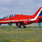 Red Arrow landing by Martyn Franklin