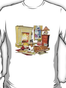 Calvin and hobbes waiting Christmas T-Shirt