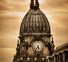 Leeds Town Hall by Maria Tzamtzi