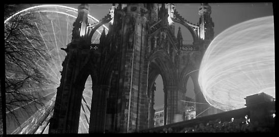 Scott Monument by Simon Kidd