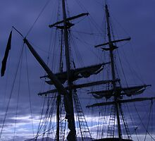 Tall ship in Oban Harbour by lezvee