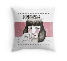 Pulp fiction - Mia wallace Throw Pillow
