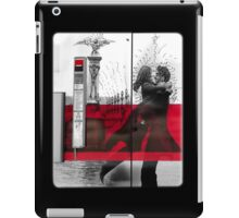 Artistic Grafitti in Paris  iPad Case/Skin
