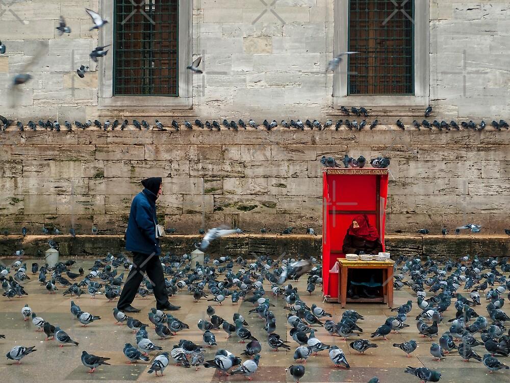 Outside the Yeni Camii - Istanbul by Abtin Eshraghi