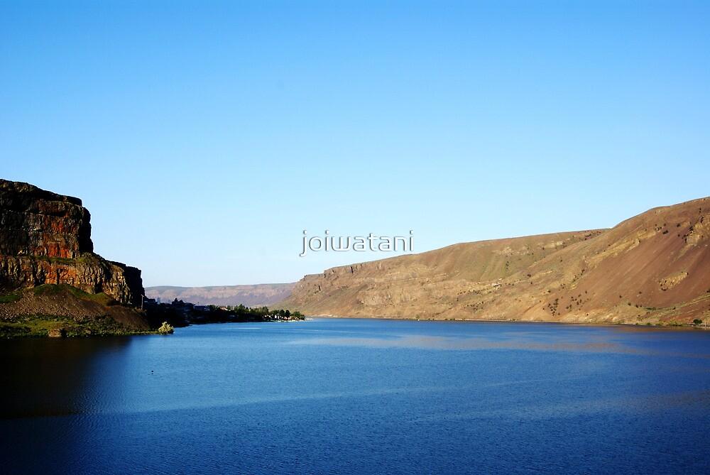 Coulee Lake by joiwatani