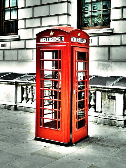 Vintage Phonebox by DavidWHughes