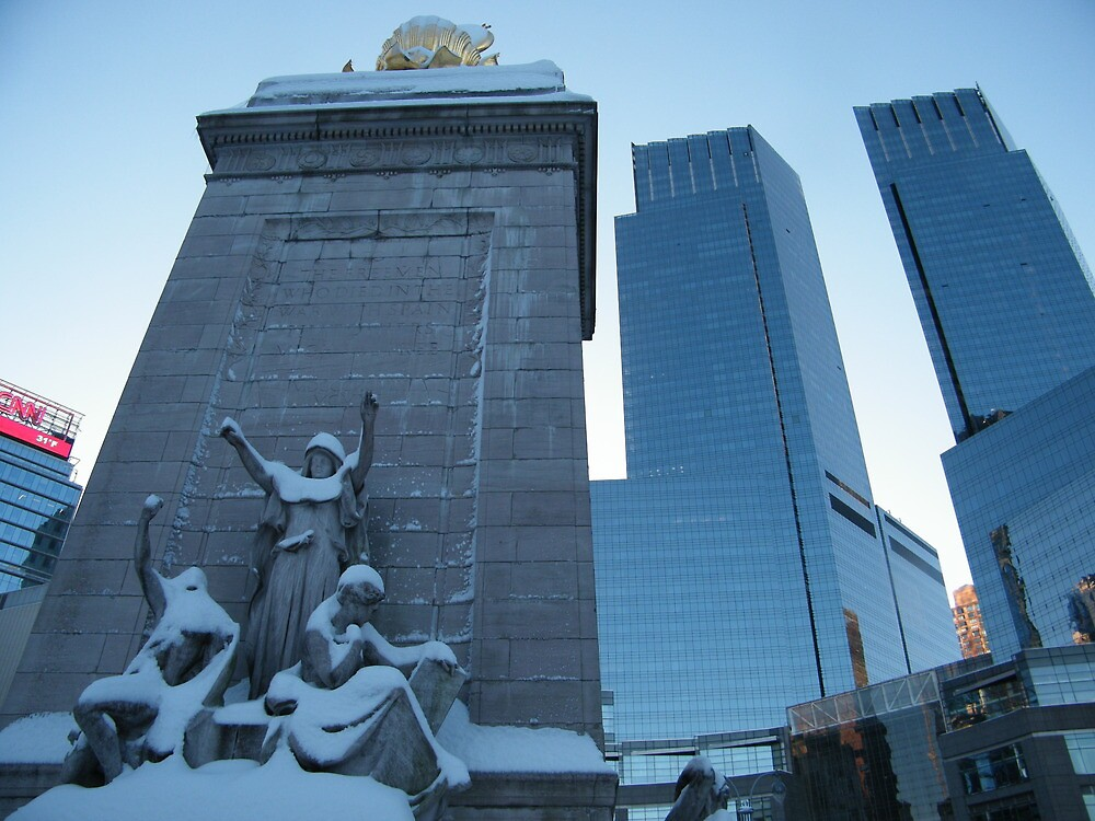 Statue and Time-Warner Building, Columbus Circle, New York City by lenspiro
